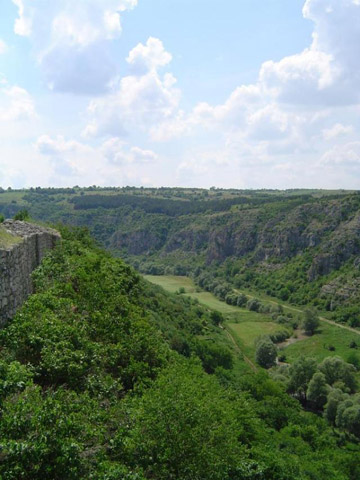Археологичен резерват Червен