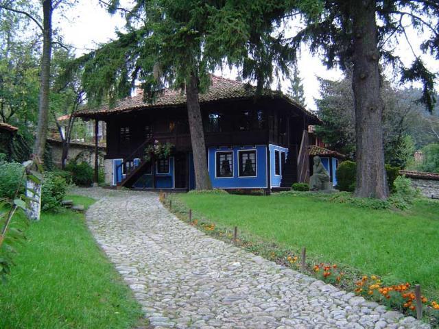 http://purebulgaria.net/pictures/koprivshtitsa_house_debelyanov.jpg