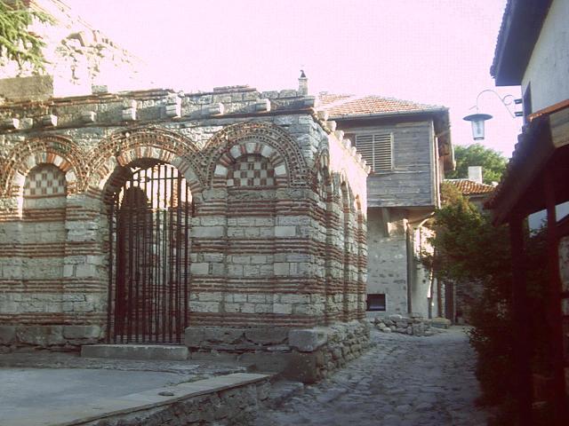 Свети Арахангели Михайл и Гаврайл